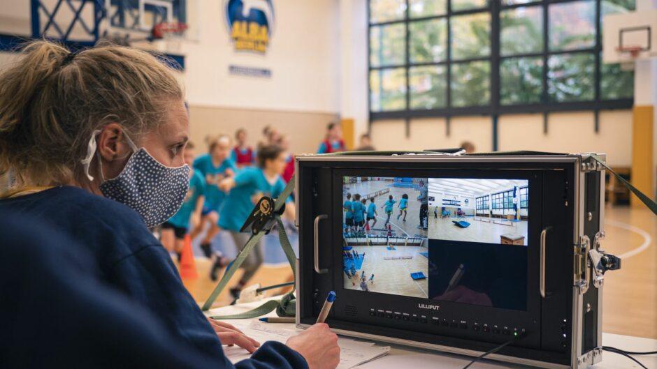 Neu! Bewegung für Kinder unter Corona-Einschränkungen: ALBA startet frei zugängliche Online-Fortbildungen